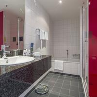 Park Inn by Radisson Frankfurt Airport Bathroom