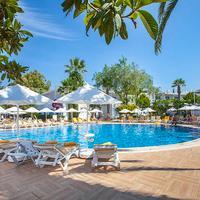 Vera Miramar Resort Outdoor Pool