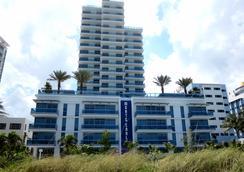 Churchill Suites Monte Carlo Miami Beach - ไมอามีบีช - อาคาร