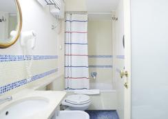 The Grand Hotel Europa - เนเปิลส์ - ห้องน้ำ