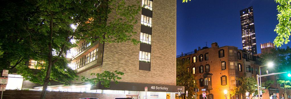 40 Berkeley Hostel - Boston - Building