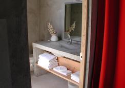 Hix Island House - บีเกส์ - ห้องน้ำ