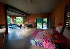Hix Island House - บีเกส์ - ห้องนอน