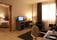 Hotel SB Ciutat de Tarragona - ตาร์ราโกนา - ห้องนอน