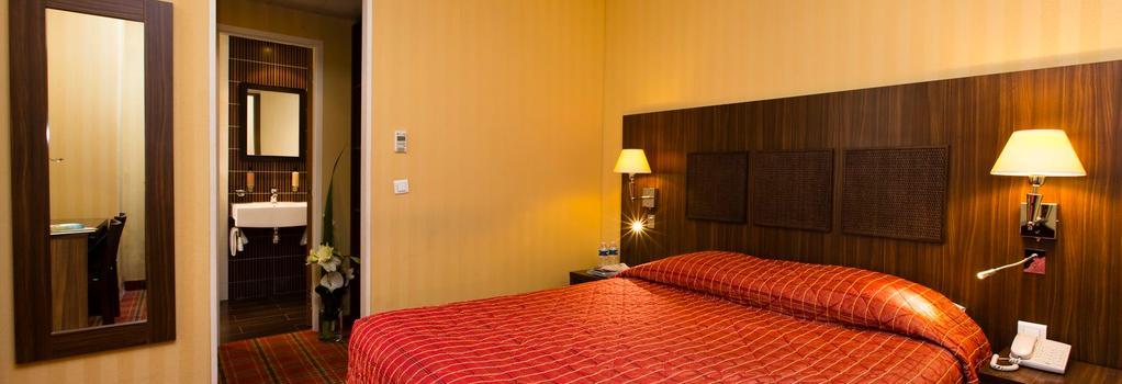Hôtel Brittany - Paris - Bedroom