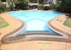 Hillpark Hotel - ไนโรบี - สระว่ายน้ำ