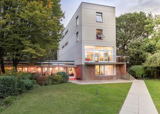 Safestay London Holland Park Hostel