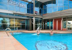 Hotel Rh Gijón - แกนเดีย - สระว่ายน้ำ