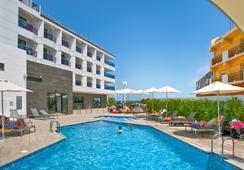 Hotel Boutique Rh Portocristo - เพนิสโคลา - สระว่ายน้ำ