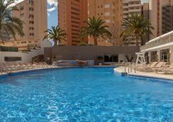 Hotel RH Princesa - เบนิดอร์ - สระว่ายน้ำ