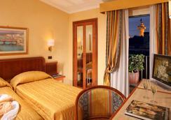 Hotel Regno - โรม - ห้องนอน