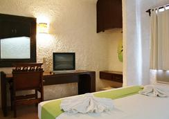 Hotel Xbalamque and Spa - แคนคูน - ห้องนอน