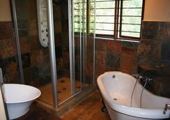 Fumanekile Lodge - เนลสไปรต์ - ห้องน้ำ