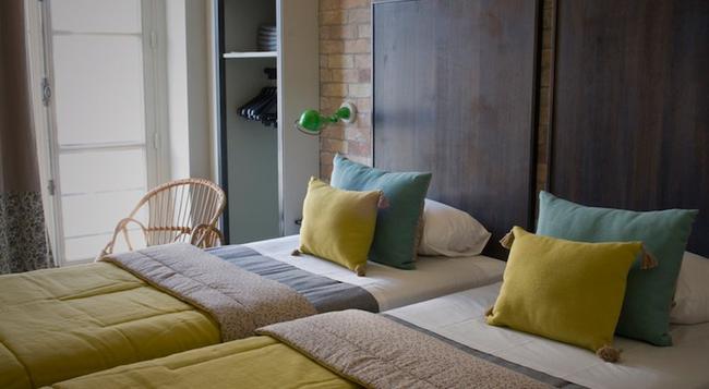 Hotel Michelet Odeon - Paris - Bedroom