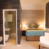 TheWesley Guest room