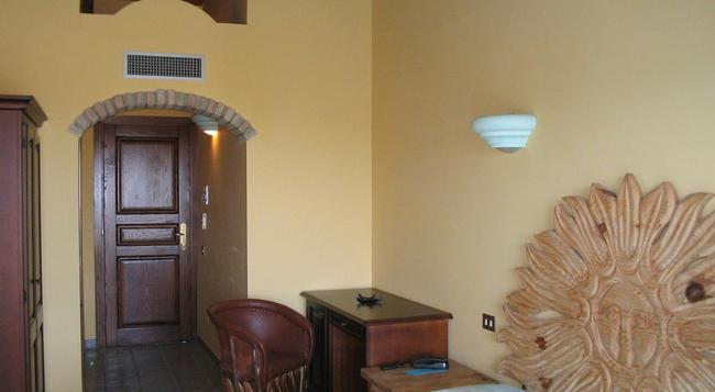 Hotel Dell'Ancora - Villasimius - Bedroom