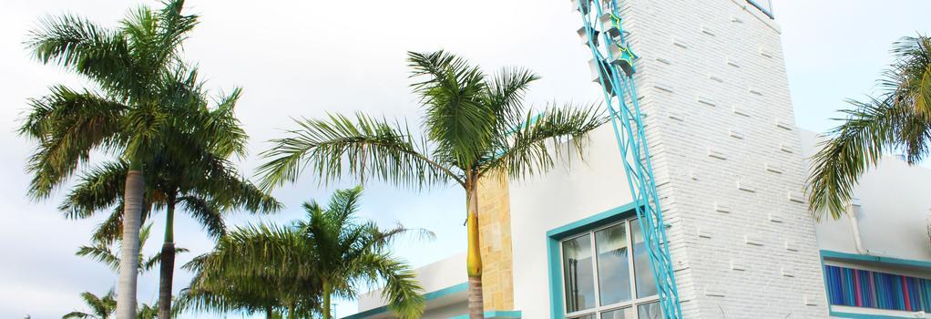 The Vagabond Hotel - Miami - Building