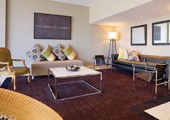 Adina Apartment Hotel Brisbane - บริสเบน - เลานจ์