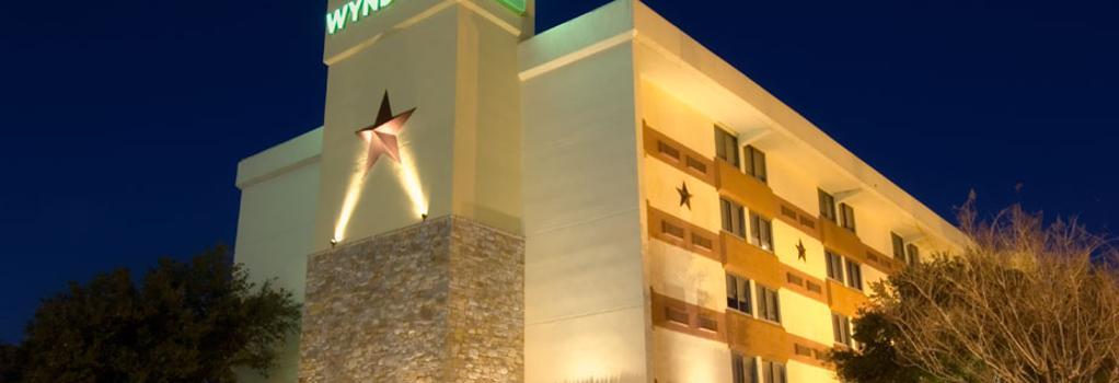 Wyndham Garden Hotel - Austin - Austin - Building