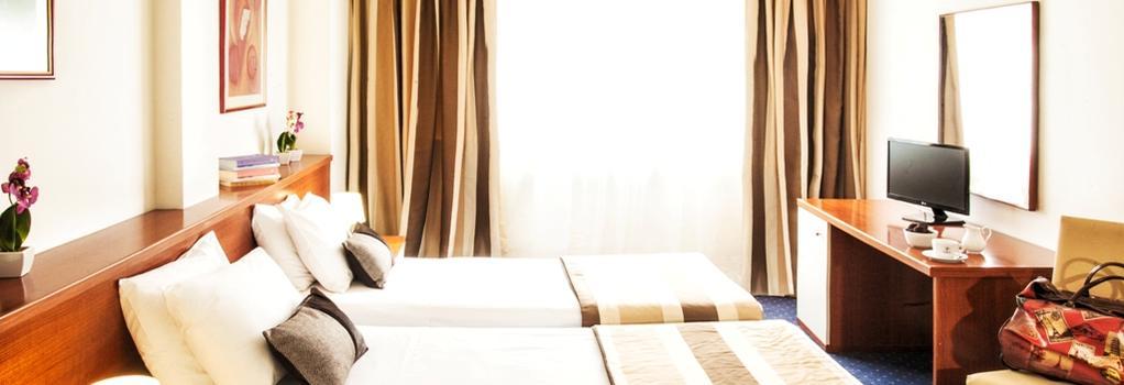 Plaza Hotel - Thessaloniki - Bedroom