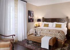 Plaza la Reina - ลอสแอนเจลิส - ห้องนอน