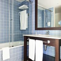 Portaventura Hotel Caribe - Theme Park Tickets Included Bathroom