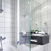 Sachsenpark-Hotel Bathroom