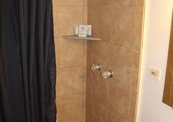 Kauai Palms Hotel - ลีฮุย - ห้องน้ำ