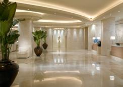 Grand Beach Hotel - ไมอามีบีช - ล็อบบี้