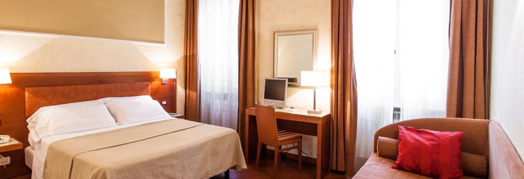 Hotel Madrid - Rome - Bedroom