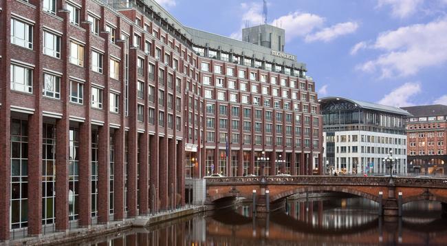 Steigenberger Hotel Hamburg - Hamburg - Building