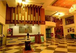 Hotel Bhargav Grand - กูวาฮาติ - ล็อบบี้