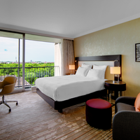 Hilton Munich Park Queen Guest Room