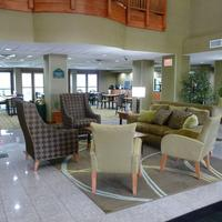 Wingate by Wyndham Columbia Lobby Sitting Area