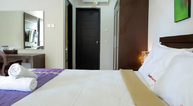 RedDoorz @ Nakula Timur - Denpasar - Bedroom