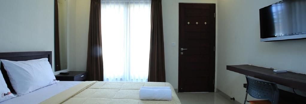 Reddoorz @ Pura Demak Marlboro - Denpasar (Bali) - Bedroom