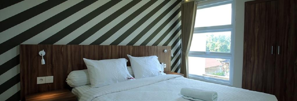 RedDoorz Near Canggu Club - Denpasar (Bali) - Bedroom