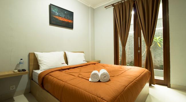 Reddoorz @ Cipete 2 - Jakarta - Bedroom