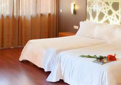 Hotel Granada Palace - โมนาชิล - ห้องนอน
