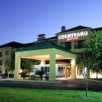 Courtyard by Marriott Houston North Exterior