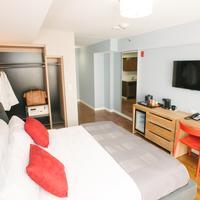 Hotel 32 32 Guestroom