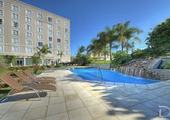 Hotel Deville Prime Porto Alegre - ปอร์โต อัลเลเกร - สระว่ายน้ำ