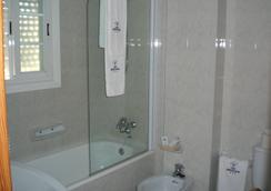 Hotel Ancora - ซานเชนโช่ - ห้องน้ำ