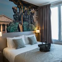 Midnight Hotel Paris Guestroom
