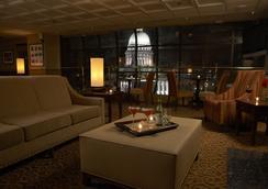The Madison Concourse Hotel and Governor's Club - เมดิสัน - บาร์