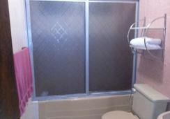 Econosuites Monterrey - มอนเตร์เรย์ - ห้องน้ำ