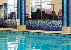 Fitzpatrick Castle Hotel - ดับลิน - สระว่ายน้ำ