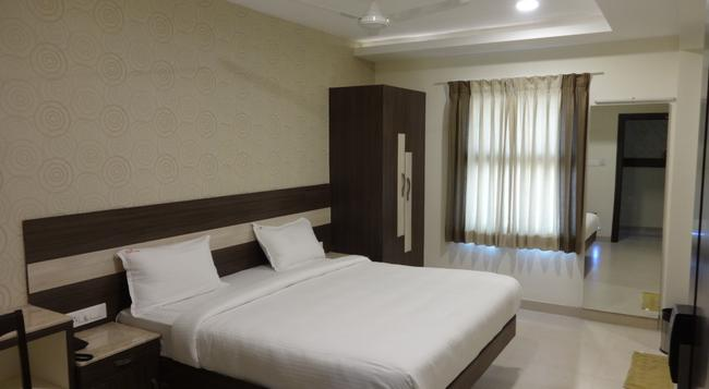 Hotel Fortune - Coimbatore - Bedroom