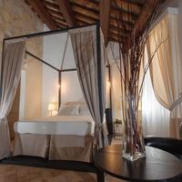 Relais Giulia Guestroom