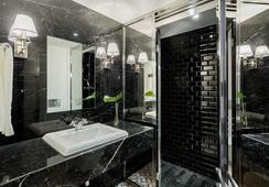 Room Mate Anna - บาร์เซโลน่า - ห้องน้ำ